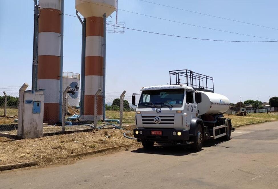 Estatal recorreu aos caminhões pipas para abastecer residências das regiões mais altas de Anápolis